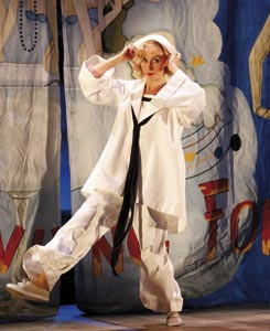Lisa-McCune-as-Nellie-Forbush-in-Opera-Australias-SOUTH-PACIFIC-3-245x300