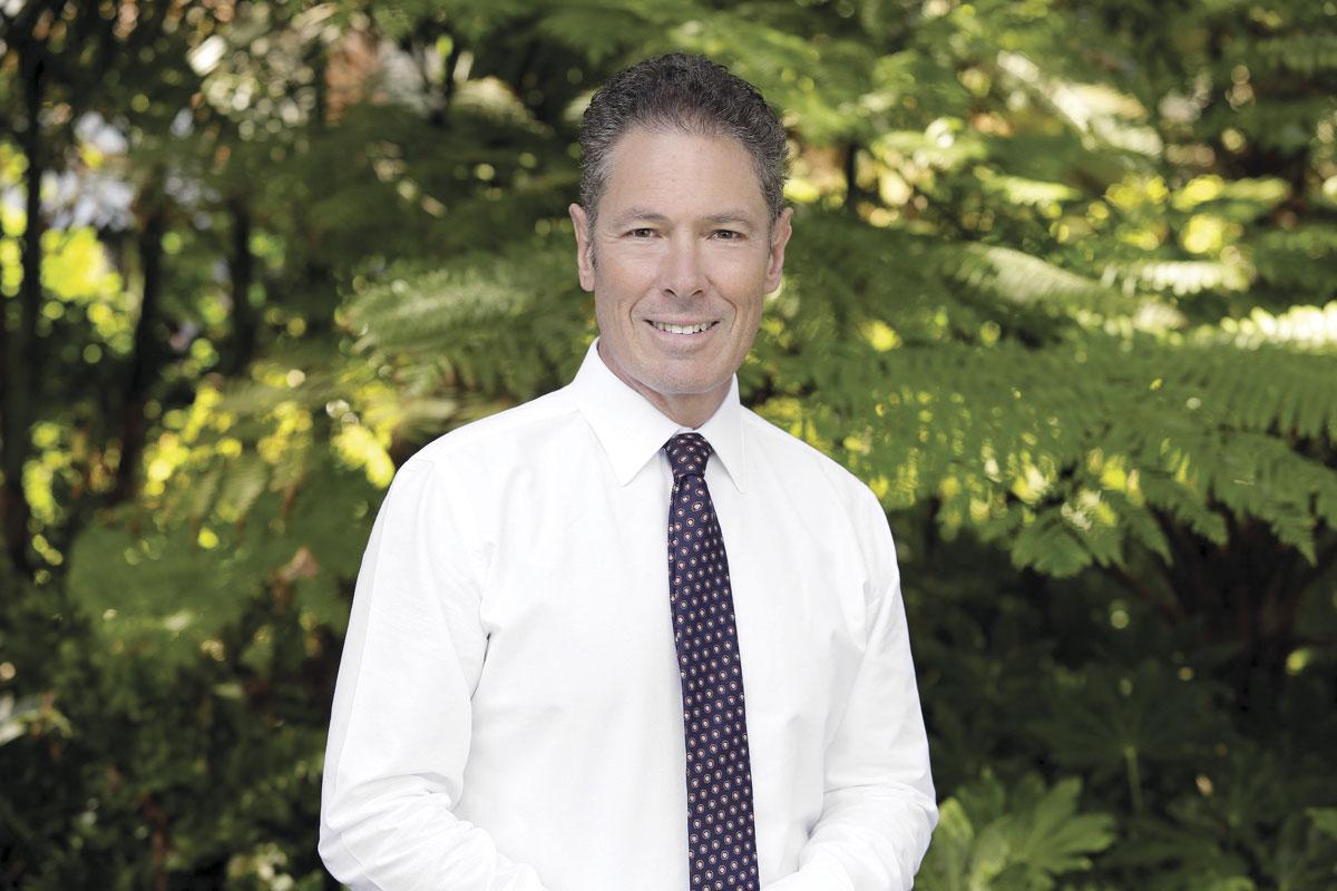Dr Joe Kosterich