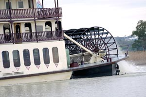 Paddle-steamer-Murray-River300x200