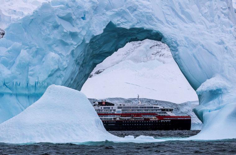 MS Roald Amundsen